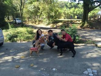 amizade-caes-cachorro-pessoas-gente-humanos-fotos-imagens-www-okamix-com-br